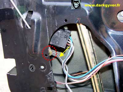 Rta bmw de darkgyver d montage remplacement moteur de for Remplacer une serrure de porte